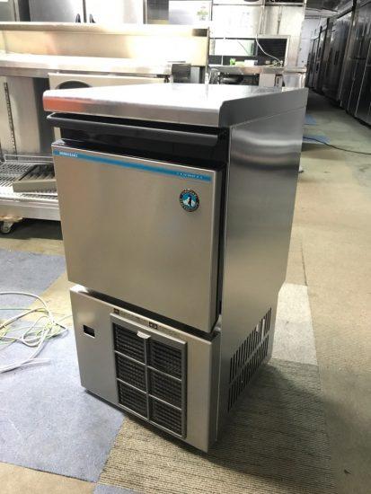 中古厨房機器入荷しました!!25kg製氷機です!