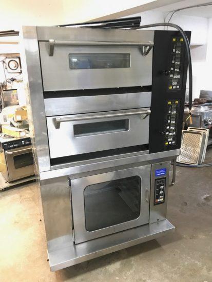 中古厨房機器入荷しました!!電気式デッキオーブンです!