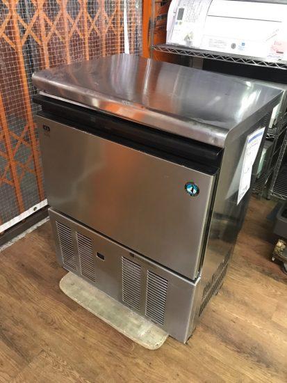 中古厨房機器入荷しました!!45kg製氷機です!