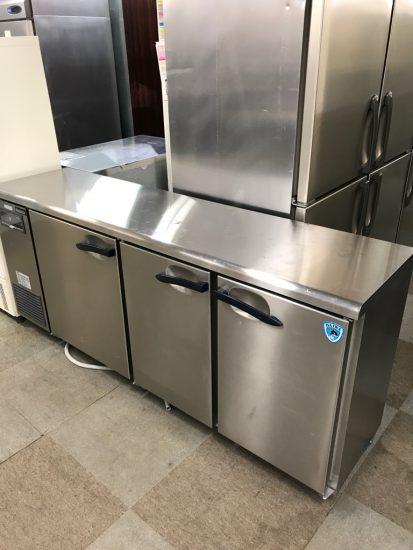 中古厨房機器入荷しました!!台下冷蔵庫です!