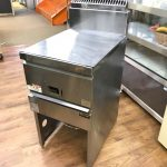 中古厨房機器入荷しました!!ガスフライヤーです!