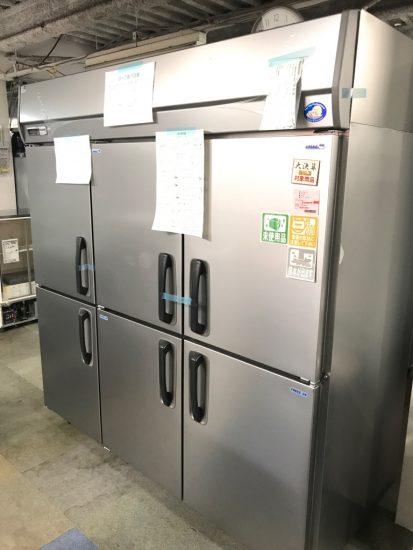 未使用厨房機器入荷しました!縦型冷凍冷蔵庫です!!