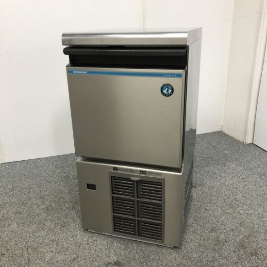 中古厨房機器入荷しました!25㎏製氷機です!