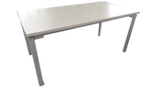 4つ脚テーブル