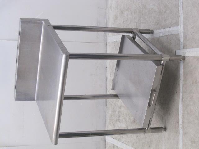 業務用 ステンレス炊飯台付き調理台 バックガードあり W600×D600×H800mm買取しました!