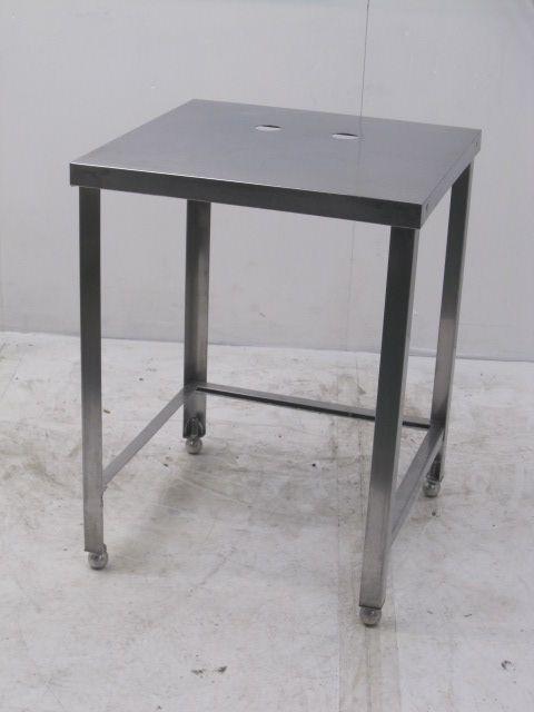 業務用 ステンレス調理台(三方枠) W600×D600×H800mm買取しました!
