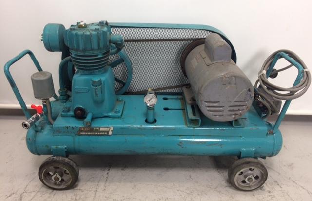 アネスト岩田 iwata 100V 1馬力コンプレッサー 圧力 7kgf/cm^2買取しました!