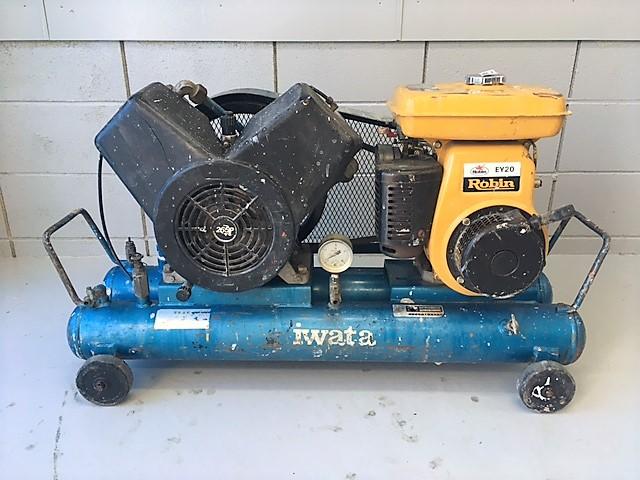 岩田  3馬力エンジンコンプレッサー買取しました!