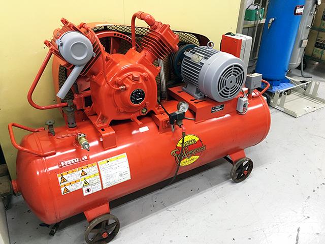 富士コンプレッサー 7.5馬力 中圧 二段式エアーコンプレッサー 200V買取しました!