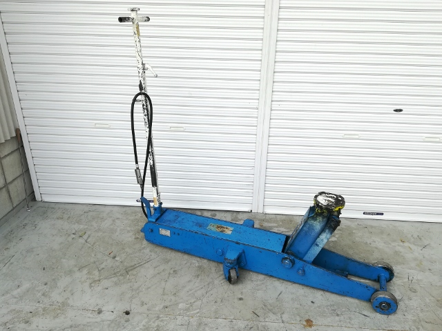 長崎ジャッキ 10t低床エアーガレージジャッキ 油圧ジャッキ買取しました!