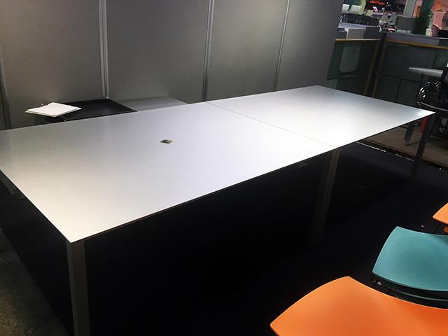 bin161121172313002 ミーティングテーブルの買取