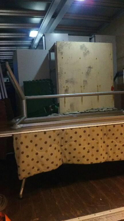 4tトラック×2  イトーキオフィス家具
