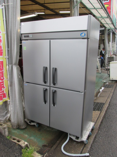 Panasonic 業務用タテ型冷凍冷蔵庫 SRR-K1261C2