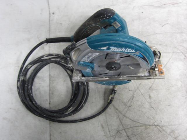 マキタ 充電式マルノコ 5837BA