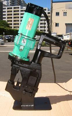 亀倉精機  [人気のオートリターン] ポートパンチャー/電動油圧式パンチャー 替刃付属買取しました!