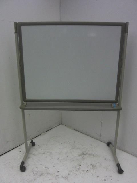 オカムラ 1200脚付ホワイトボード買取しました!