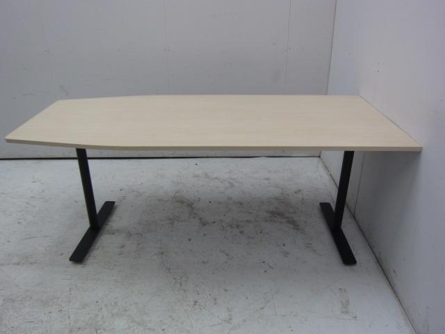 コクヨ  ブラケッツシリーズ ミーティングテーブル買取しました!