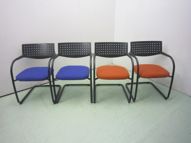 ヴィトラ ビサビチェア4脚セット(ブルー×2オレンジ×2)買取しました!