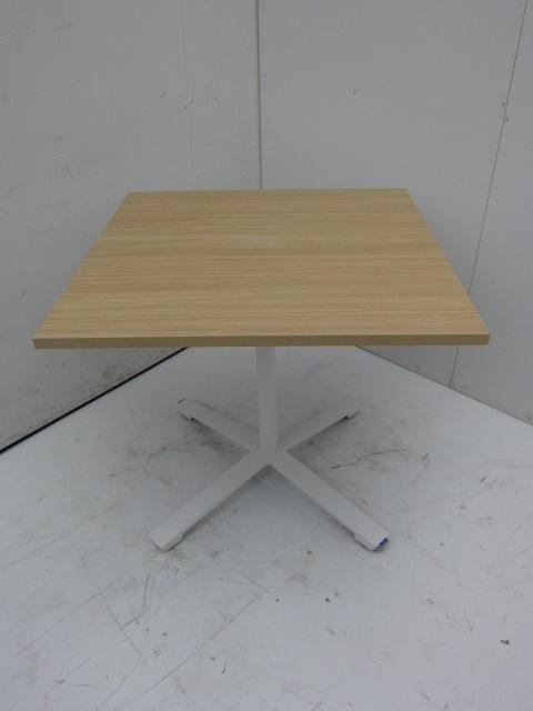 コクヨ KOKUYO キャスター付き角テーブル買取しました!
