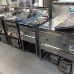 ■中古厨房機器入荷しました!お好み焼き鉄板付きテーブルです!■
