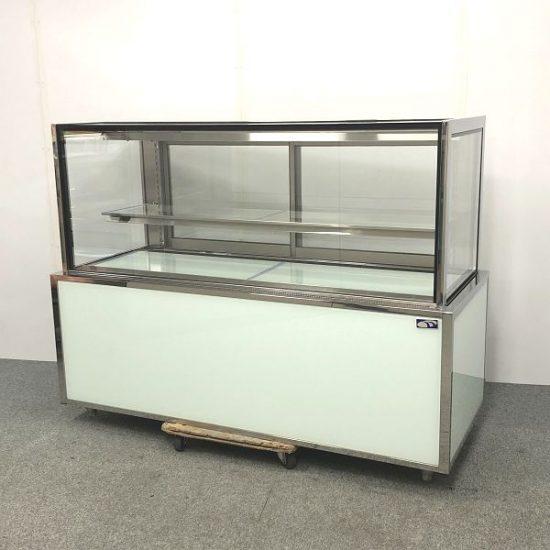 中古厨房機器入荷しました! 対面低温高湿冷蔵ショーケースです!