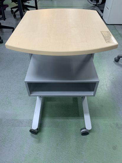 内田洋行 プロジェクターテーブルが入荷致しました!