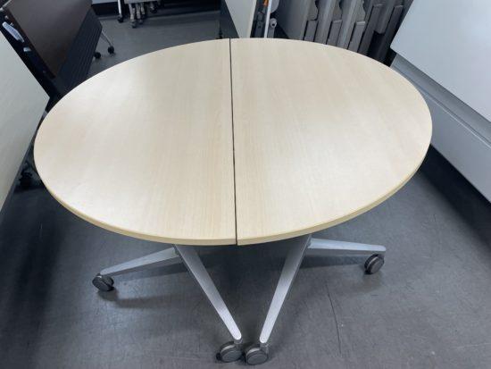 半円型テーブル2点セットが入荷致しました!