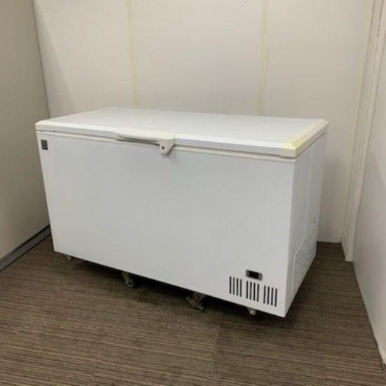 中古厨房機器入荷しました!超低温冷凍ストッカーです!