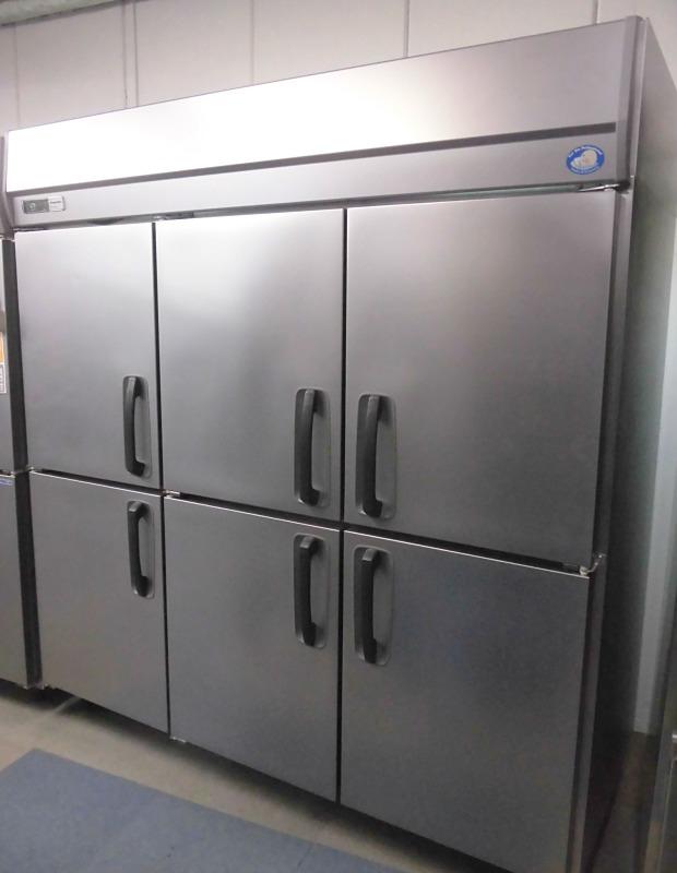 パナソニック 業務用縦型6ドア冷凍庫買取しました!