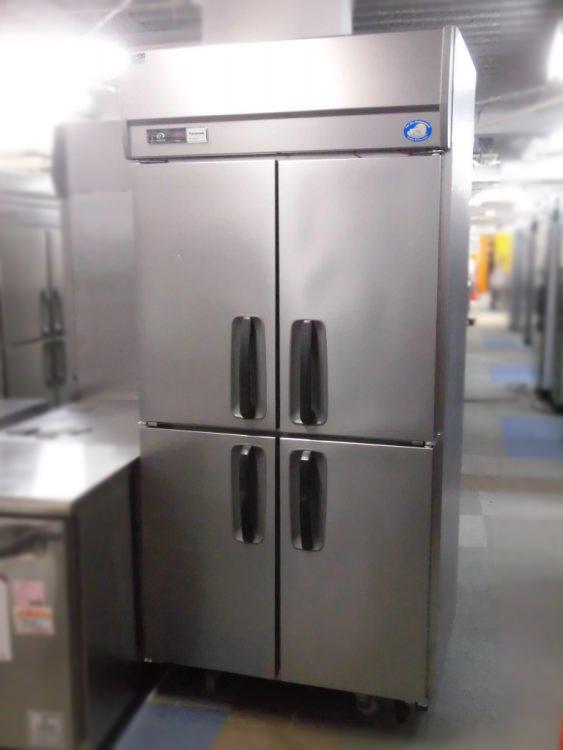 パナソニック 業務用縦型4ドア冷凍庫買取しました!