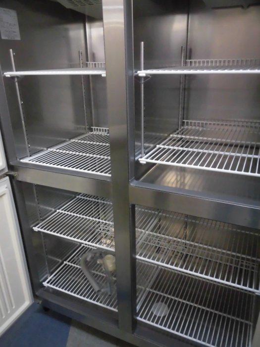 フクシマ業務用縦型4ドア冷凍冷蔵庫ARD-121PMD詳細画像2