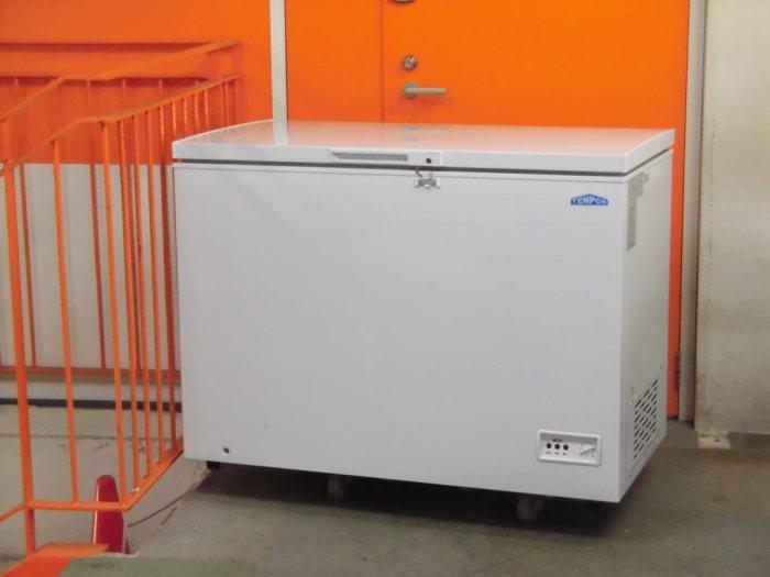 テンポスバスターズ 冷凍ストッカー TBCF-282-RH