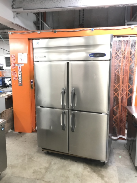 ホシザキ 業務用縦型4ドア冷蔵庫 HR-120ZT