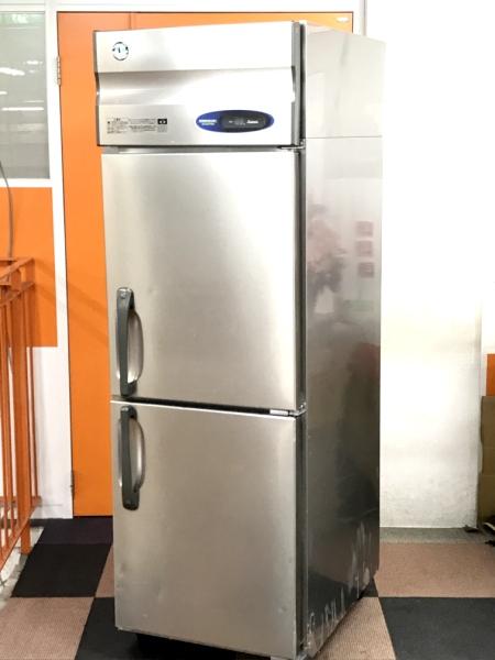ホシザキ 業務用縦型2ドア冷凍庫買取しました!