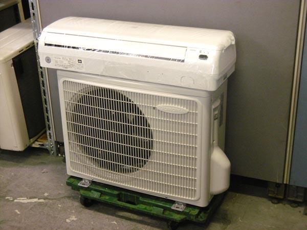 コロナ 冷房専用 2.2kwルームエアコン 買取しました!