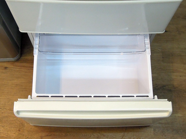AQUA(アクア)3ドア冷蔵庫AQR-271E(W)詳細画像4