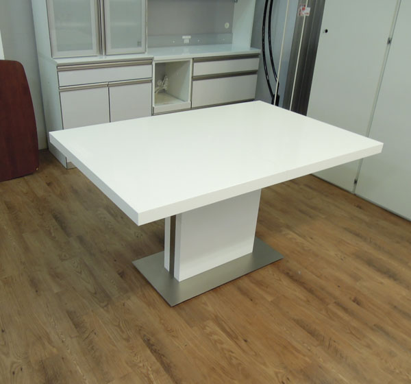 BoConcept(ボーコンセプト) 伸縮ダイニングテーブル Occa ホワイト×シルバー  中古家具・ユーズド