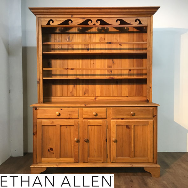 ETHAN ALLEN( イーセンアーレン )カップボード / 飾り棚カントリー パイン材