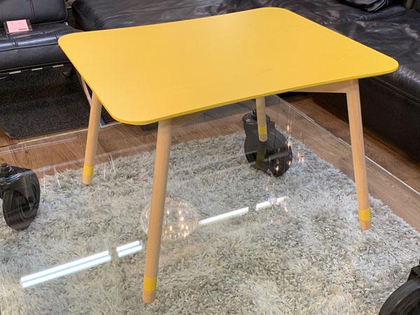 MOBEL TOKO( メーベルトーコー )【未使用品】テーブル しかく ぼこ きいろPALAPELI( パラペリ )