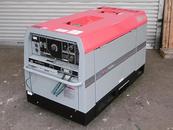 新ダイワ/shindaiwa防音型 エンジン発電機兼用溶接機DGW311L