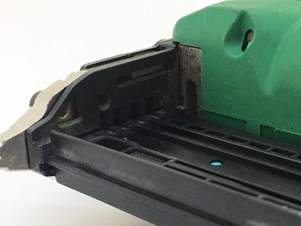 HITACHI/日立工機35mm コードレスピン釘打機 本体のみNP18DSAL詳細画像3