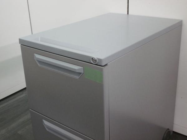 ウチダ(内田洋行)インワゴン2000000004227カギ付き 2段 シルバー詳細画像3