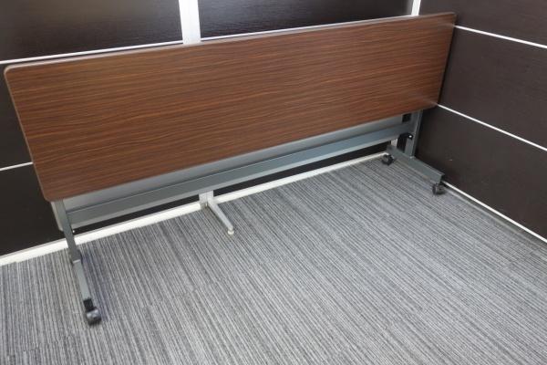 ライオン 1845サイドスタックテーブル3台セット 中古|オフィス家具|サイドスタックテーブル