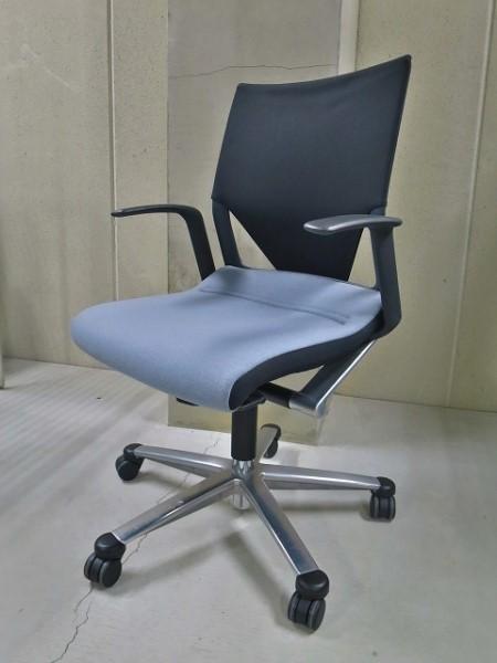 ウィルクハーン 肘付モダスチェア 中古|オフィス家具|事務イス|デザイナーズ