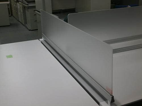 コクヨ5500フリーアドレスデスク2000000004232搬入注意 アクリルデスクパネル W2400板x2 独立テーブル(W1400xD700xH720)詳細画像3