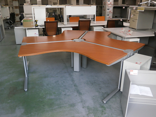 コクヨ 120℃ブーメランデスク3台セット 中古 オフィス家具 事務机