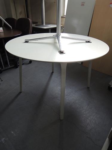 マジス ファーストサークルテーブル 中古 オフィス家具 ミーティングテーブル デザイナーズ