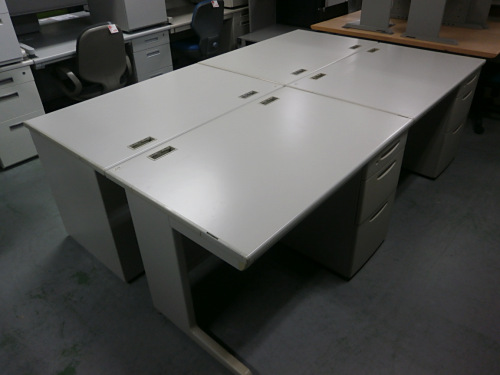 オカムラ 1100片袖デスク4台セット 中古 オフィス家具 事務机