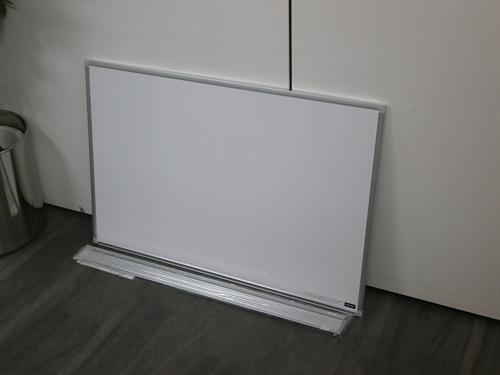 UCHIDA 900壁掛ホワイトボード 中古|オフィス家具|ホワイトボード