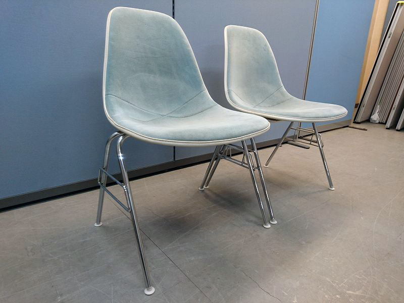 HermanMiller(ハーマンミラー) EamesサイドシェルチェアDSS 2脚セット 中古|オフィス家具|ミーティングチェア|デザイナーズ